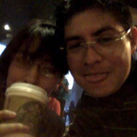 Photo taken at Starbucks by Fernando O. on 1/8/2013