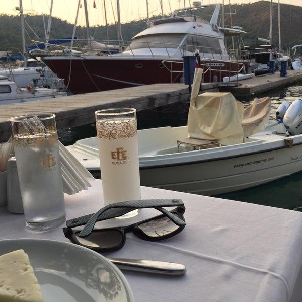 8/31/2016 tarihinde Adem Cem Ç.ziyaretçi tarafından Fethiye Yengeç Restaurant'de çekilen fotoğraf