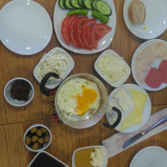 8/19/2017 tarihinde Öznur B.ziyaretçi tarafından Fiskos Kahvaltı Cafe'de çekilen fotoğraf