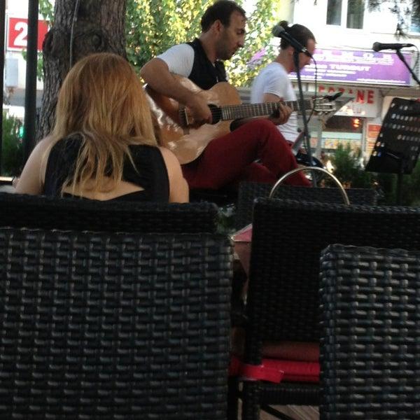 7/24/2013 tarihinde Lütfü y.ziyaretçi tarafından LimonH₂O Cafe Bistro'de çekilen fotoğraf