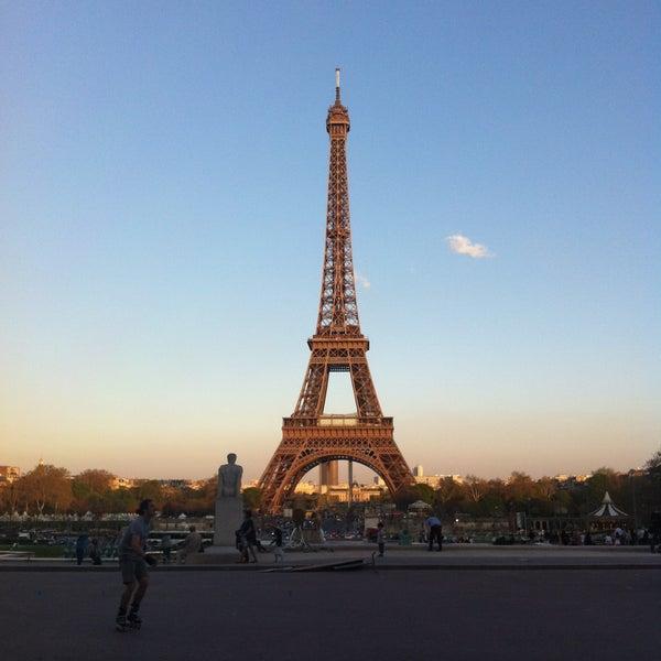 Photo prise au Place du Trocadéro par YAB I. le4/25/2013