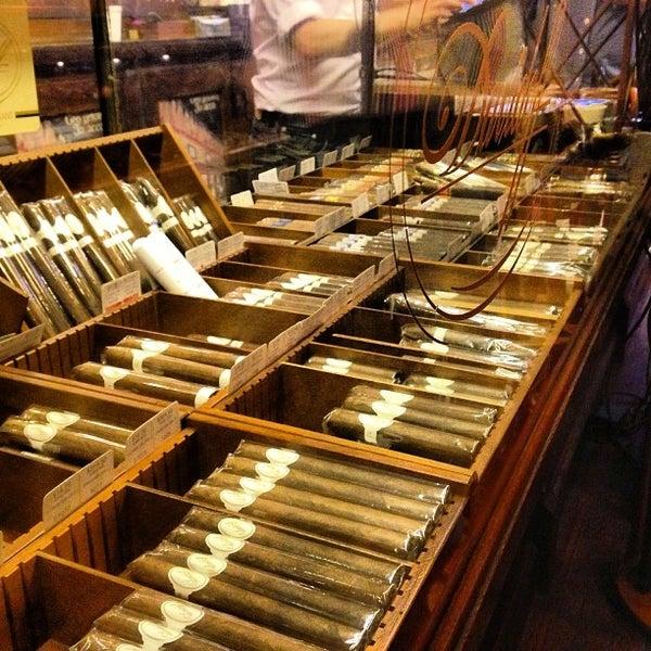 Photo prise au Georgetown Tobacco par Cédric R. le9/6/2013