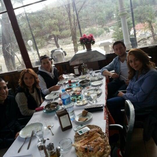 2/3/2013 tarihinde Arzu S.ziyaretçi tarafından Çamaltı Restaurant'de çekilen fotoğraf