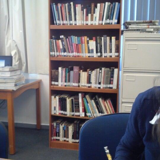 Biblioteca ucad librer a universitaria - Libreria universitaria madrid ...