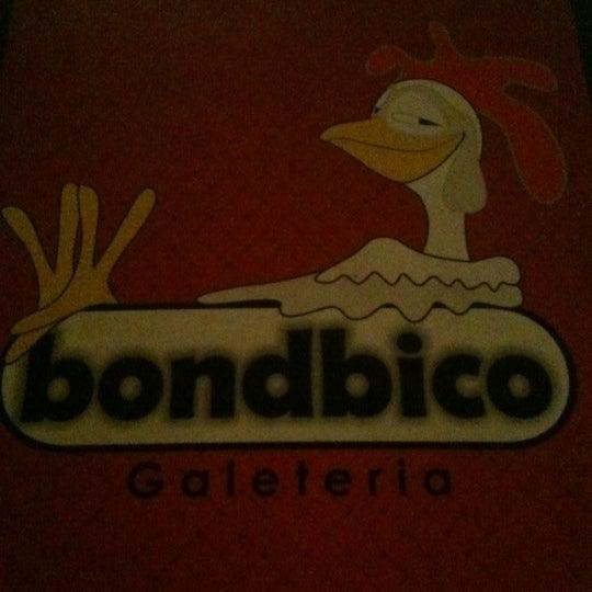 Photo taken at Bondbico Galeteria by Fernanda A. on 10/21/2012