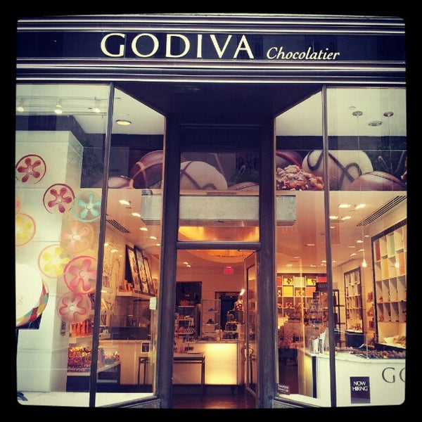 Photo taken at Godiva Chocolatier by Alizay A. on 9/8/2012