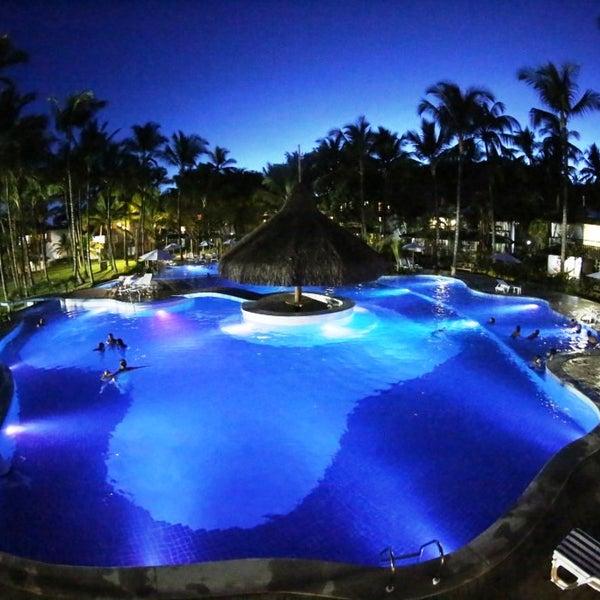 A nova piscina durante a noite... linda!