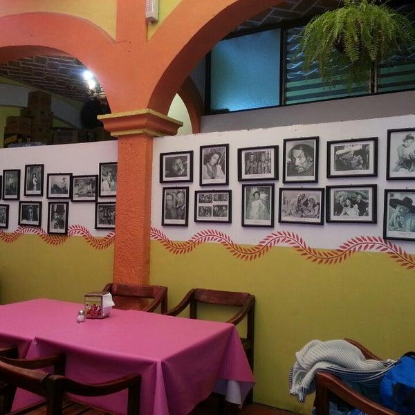 Foto tomada en El Rincón Mexicano por Ricardo R. el 3/3/2013