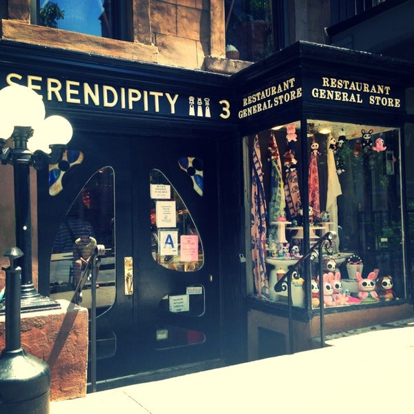 Photo taken at Serendipity 3 by Fabiola P. on 7/5/2013
