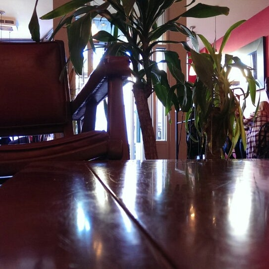 7/23/2015 tarihinde Eric M.ziyaretçi tarafından Café Lézard'de çekilen fotoğraf