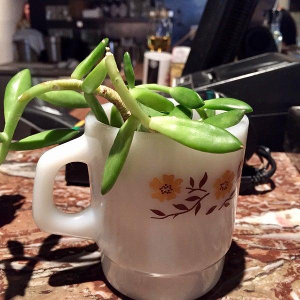 10/21/2017 tarihinde Eric M.ziyaretçi tarafından Café Lézard'de çekilen fotoğraf