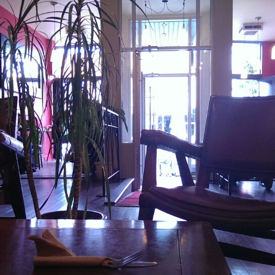 7/16/2014 tarihinde Eric M.ziyaretçi tarafından Café Lézard'de çekilen fotoğraf
