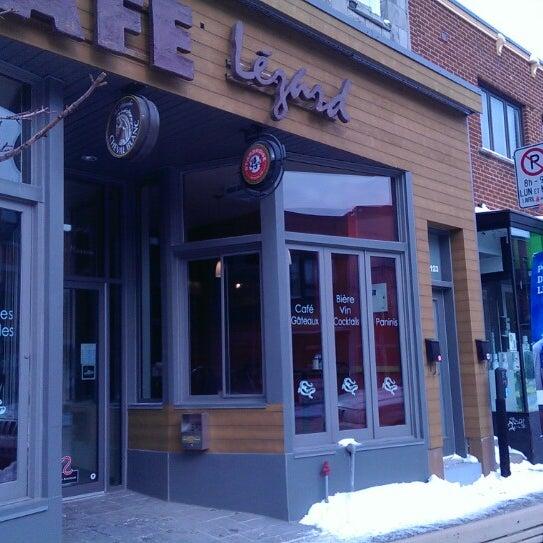 3/14/2014 tarihinde Eric M.ziyaretçi tarafından Café Lézard'de çekilen fotoğraf