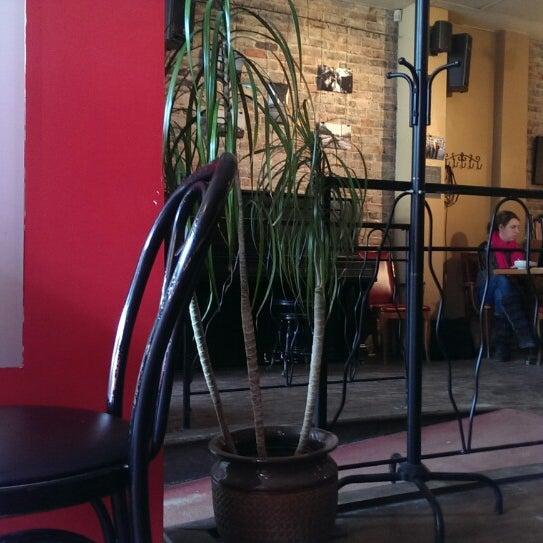 4/9/2015 tarihinde Eric M.ziyaretçi tarafından Café Lézard'de çekilen fotoğraf