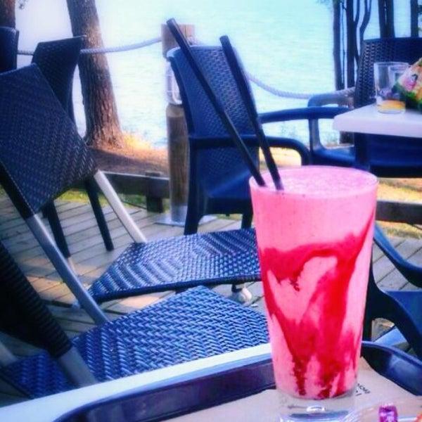 Foto tomada en Gassho Sanxenxo Lounge Bar-Café por Vero el 9/16/2014