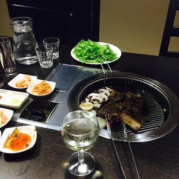 Снимок сделан в Korean BBQ гриль пользователем Anastasiia 10/6/2016