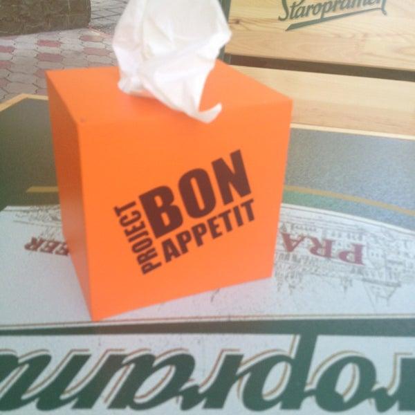 5/22/2013 tarihinde Natalya K.ziyaretçi tarafından Café Bon Apрétit'de çekilen fotoğraf