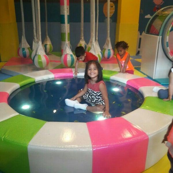 Foto tirada no(a) Mall del Sur por Elizábeth F. em 7/25/2016