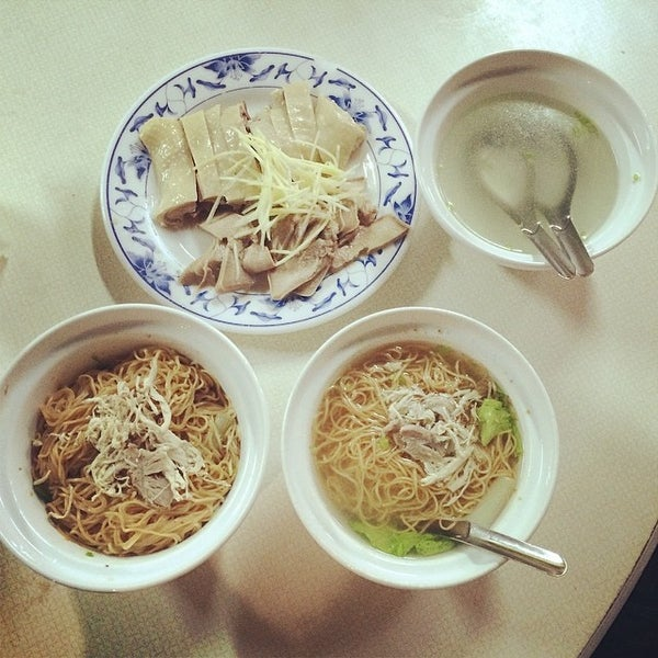 Photo taken at 阿財雞絲麵 by Minchelle W. on 4/14/2014