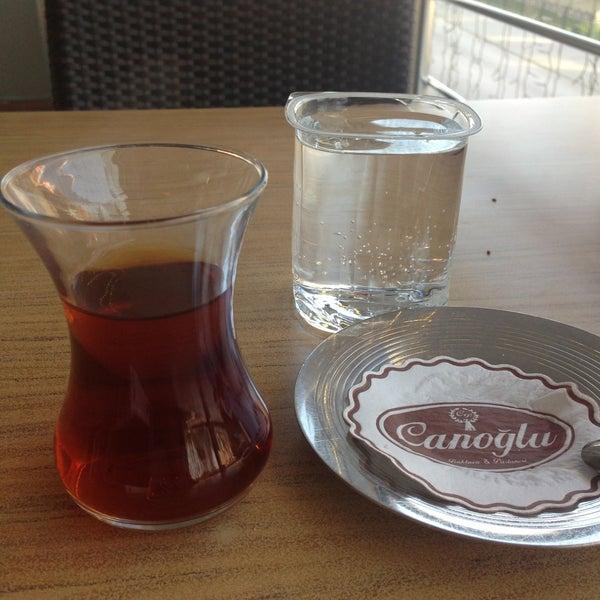 4/25/2013 tarihinde Kamil ..ziyaretçi tarafından Canoğlu Pastanesi'de çekilen fotoğraf