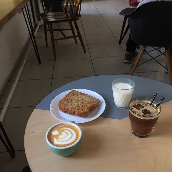 Снимок сделан в First Point Espresso Bar пользователем KateMoz 6/29/2017