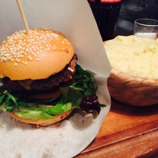 Alter, wer hätte gedacht, dass man in Steglitz nen ordentlichen, wirklich leckeren Burger bekommt?!?