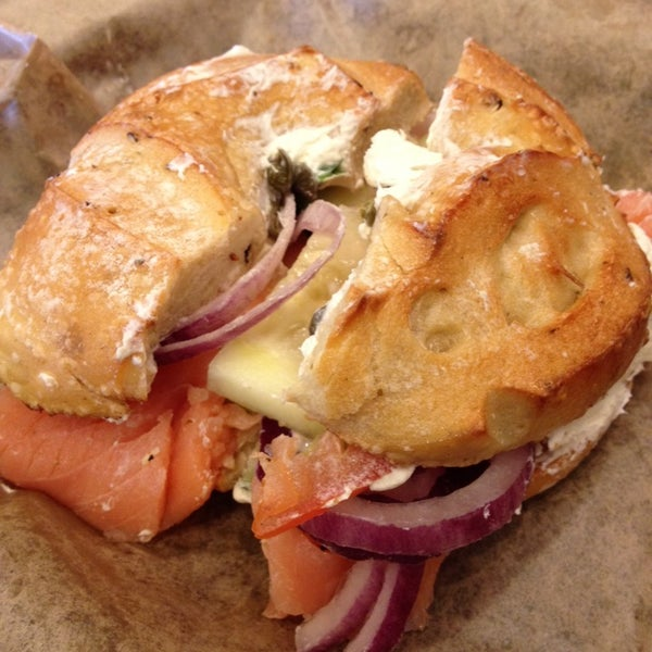 Photo taken at Noah's Bagels by Laura T. on 12/20/2013