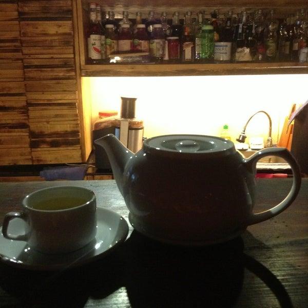 Photo taken at Lộc Vừng Café by Roxio T. on 1/27/2013