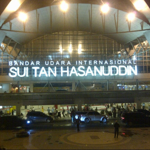 Photo taken at Sultan Hasanuddin International Airport (UPG) by qadar t. on 7/13/2013