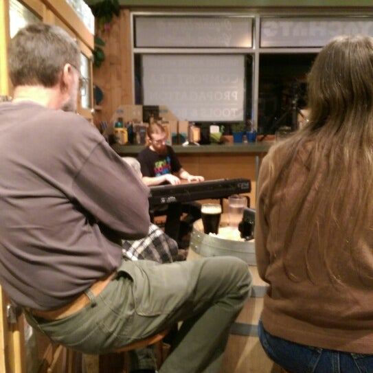 Photo taken at Yachats Brewing + Farmstore by Curtis M. on 2/22/2015