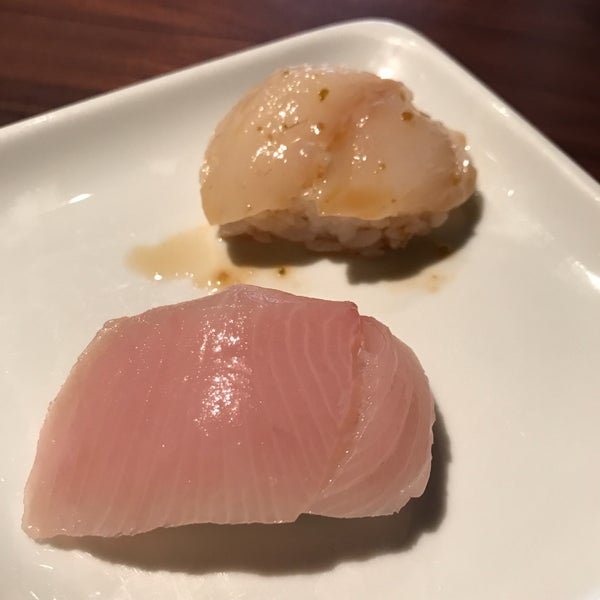 Photo taken at Sugarfish by Pichet O. on 4/13/2017