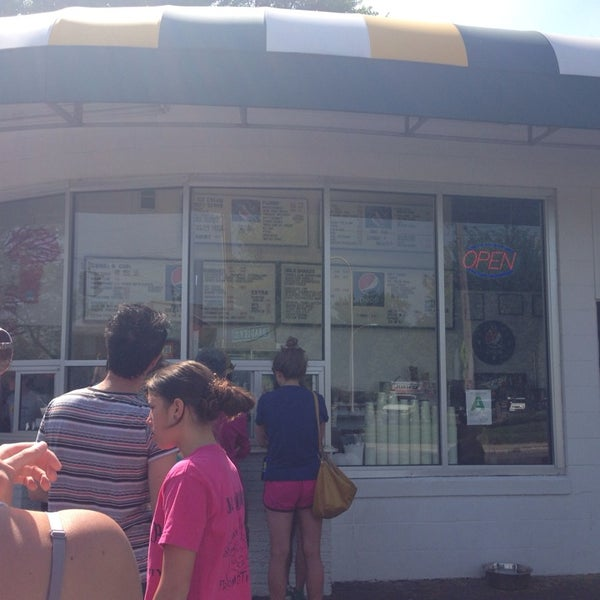 Photo taken at Dairy Kastle by Lauren B. on 5/4/2014
