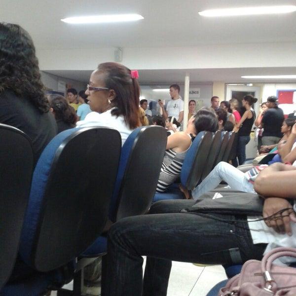 Foto diambil di UNINASSAU - Centro Universitário Maurício de Nassau oleh Luam S. pada 2/15/2013