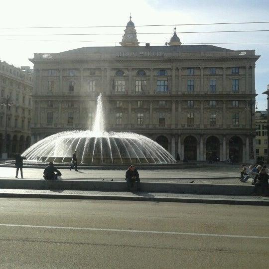 Foto scattata a Piazza de Ferrari da Serena C. il 1/31/2013