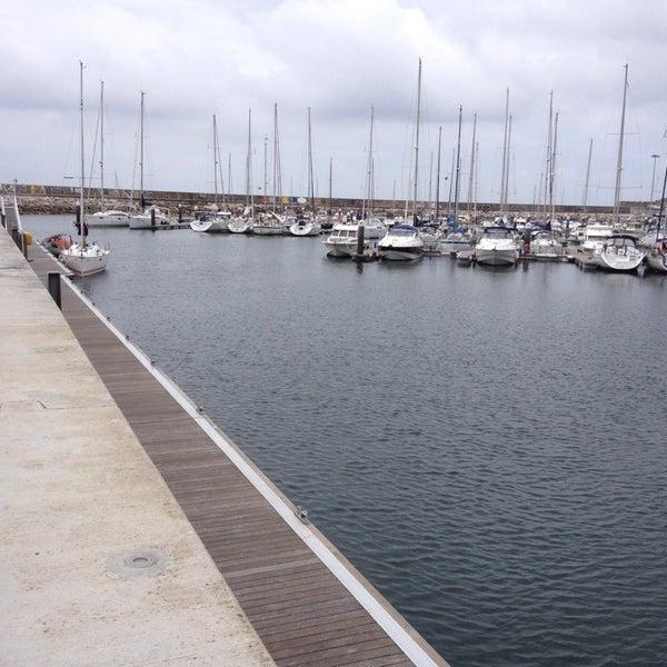 Foto tirada no(a) Porto de Recreio de Oeiras por Joao G. em 6/8/2013