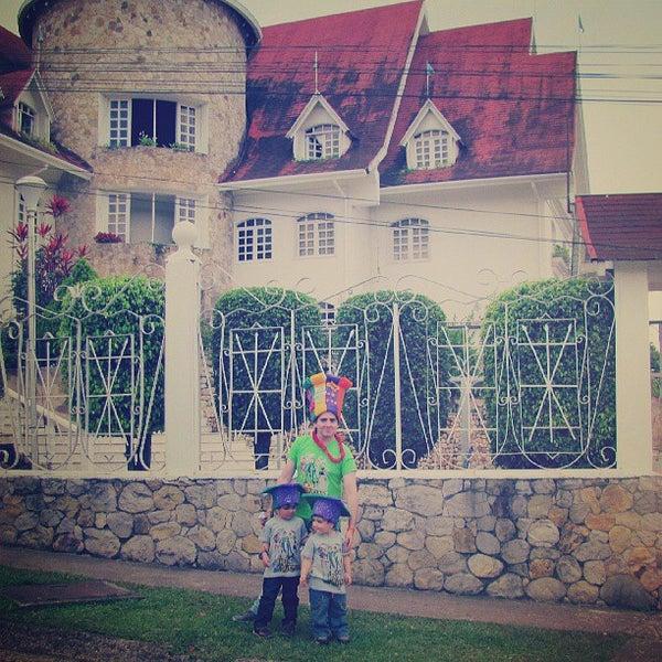 Foto tomada en Castillo De La Fantasia Gran Hotel por Engelberth M. el 8/8/2013