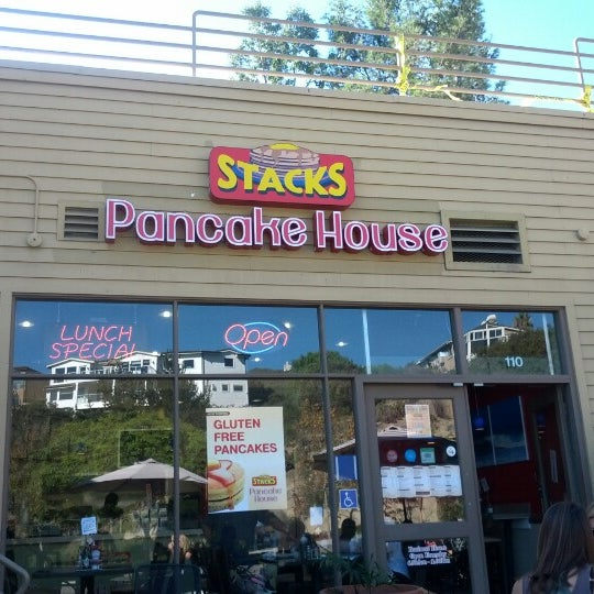 Photo taken at Stacks Pancake House by Brock H. on 11/5/2012