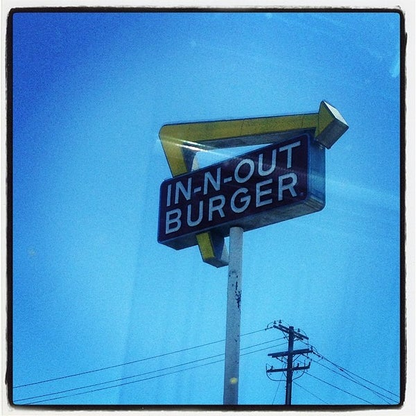 Photo taken at In-N-Out Burger by Randy T. on 5/31/2014
