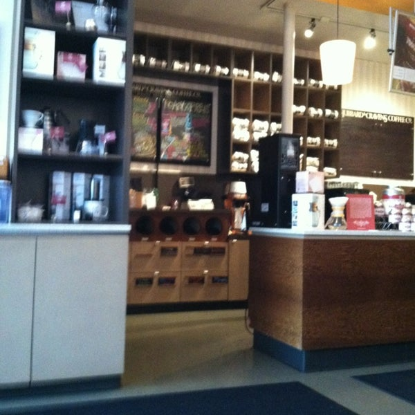 Photo taken at Hubbard & Cravens Coffee and Tea by Jocelin R. on 2/11/2013