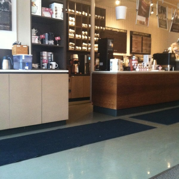Photo taken at Hubbard & Cravens Coffee and Tea by Jocelin R. on 2/19/2013