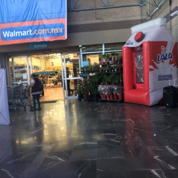 Photo taken at Walmart by Mariana D. on 1/21/2017