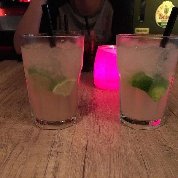 Foto tirada no(a) Le Bar d'Ixelles por Laora B. em 9/29/2017