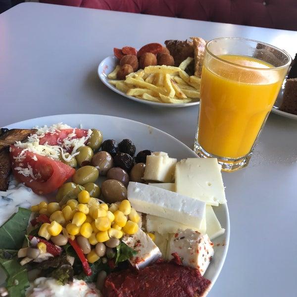 10/7/2018 tarihinde Tuba A.ziyaretçi tarafından Seyir Cafe'de çekilen fotoğraf