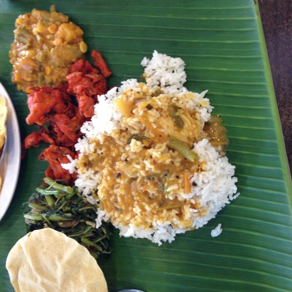 Photo taken at Chennai Curry House by Yeoh J. on 8/1/2013