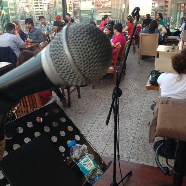 4/28/2013 tarihinde Gökhan A.ziyaretçi tarafından Flz Cafe & Restaurant'de çekilen fotoğraf
