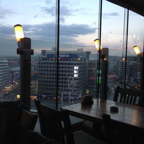 4/11/2013 tarihinde Gökhan A.ziyaretçi tarafından Flz Cafe & Restaurant'de çekilen fotoğraf