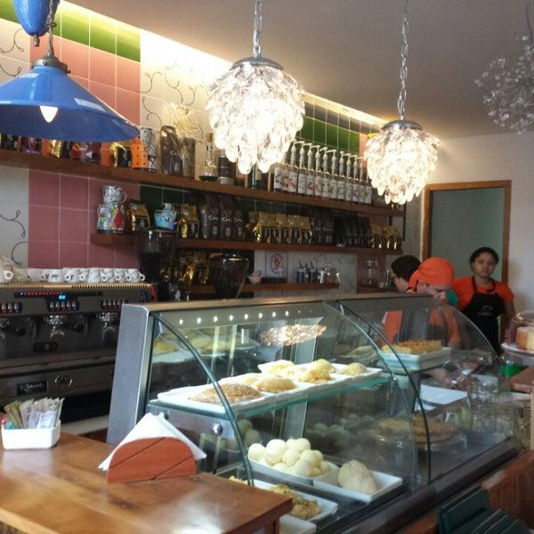 Foto tirada no(a) Florbela Café por Daniela V. em 8/11/2013