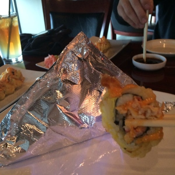 Photo taken at Sushi On The Rocks by 🌺Chalene B. on 11/26/2013