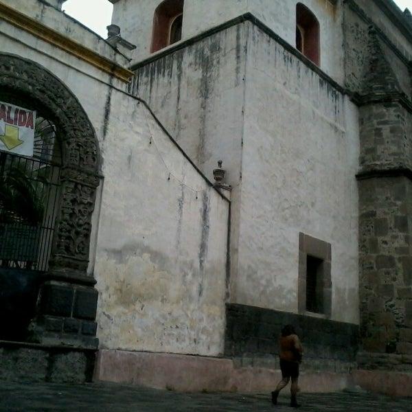 Photo taken at Jardín Hidalgo by Minnie V. on 3/15/2013