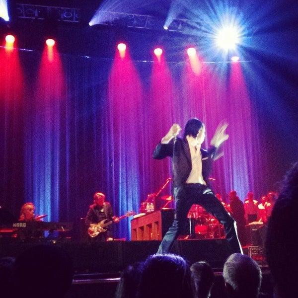 รูปภาพถ่ายที่ Beacon Theatre โดย Emma Jane W. เมื่อ 3/29/2013